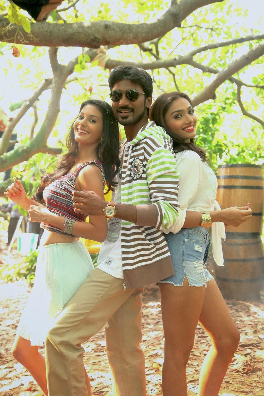 Dhanush-Anekudu Working Stills, Amyra Dastur, Dhanush Anekudu Movie Hot HD Stills