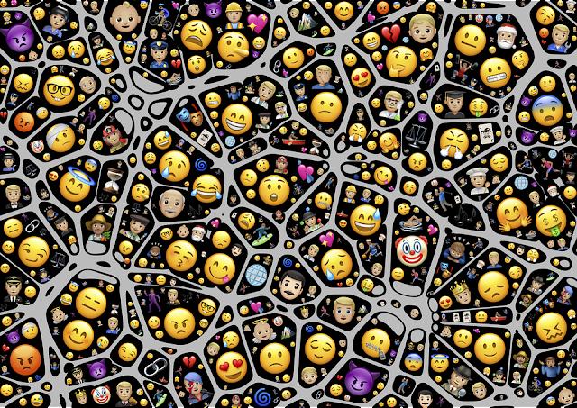 5 Fondos de pantalla de emojis