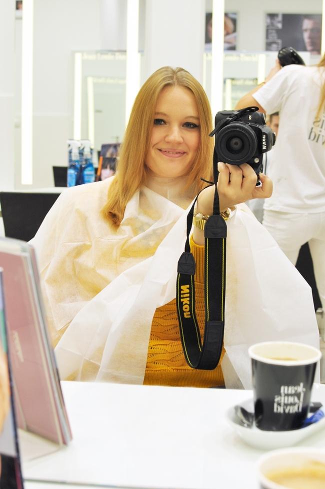 blondynka-proste-włosy