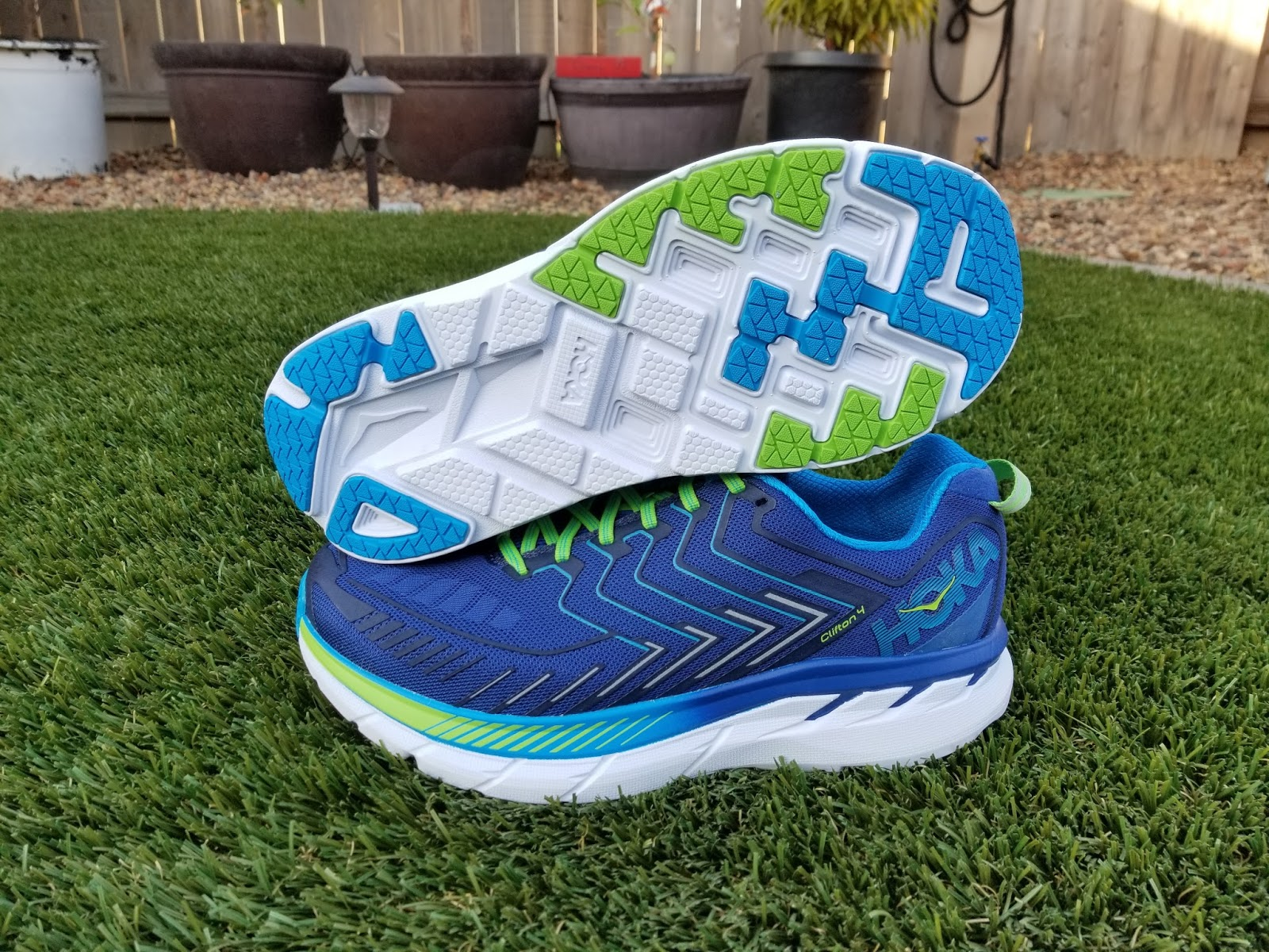 Running Without Injuries: Hoka One One Clifton 4 (Wide) Review