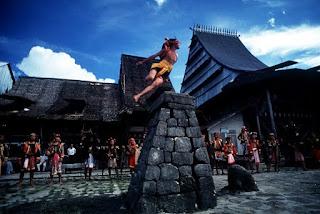 Tempat Wisata di  Sumatera Utara pulau nias