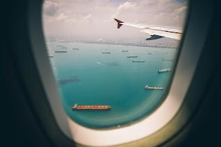 viendo desde una ventana de avión