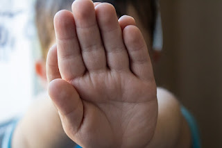 Kinder mit einem gesunden Selbstwertgefühl, können sich besser Schützen oder Hilfe holen.