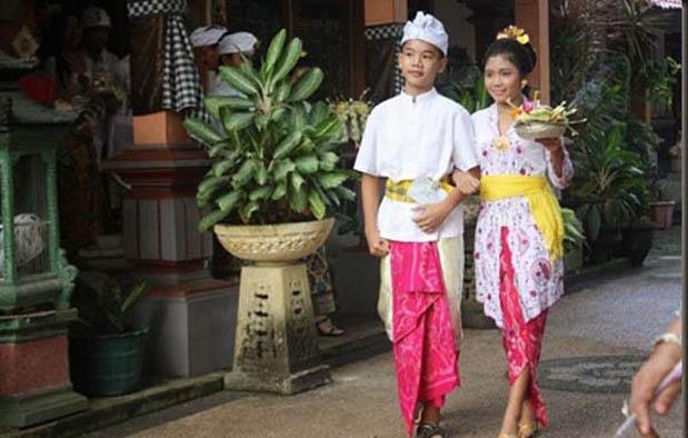 Pakaian Adat Bali anak anak