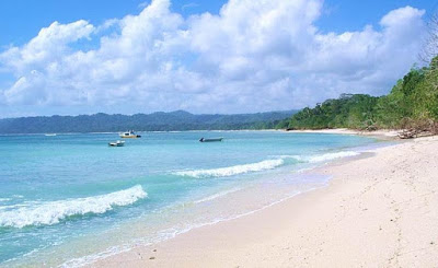akcayatour, Pantai Plengkung, Travel Malang Banyuwangi, Travel Banyuwangi Malang