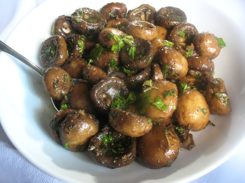Herbed Marinated Mushrooms | Lisa's Kitchen | Vegetarian ...