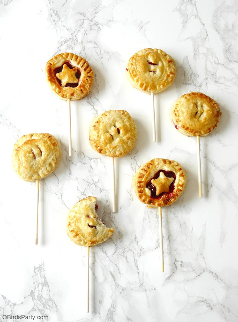 Cherry Pie Pops Recipe - learn to make these easy, tasty and fun pops for a party or summer dessert, with delicious seasonal cherries! by BirdsParty.com @birdsparty
