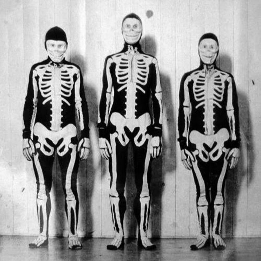 Skeletons Halloween Decorations: What Should We Wear For Halloween