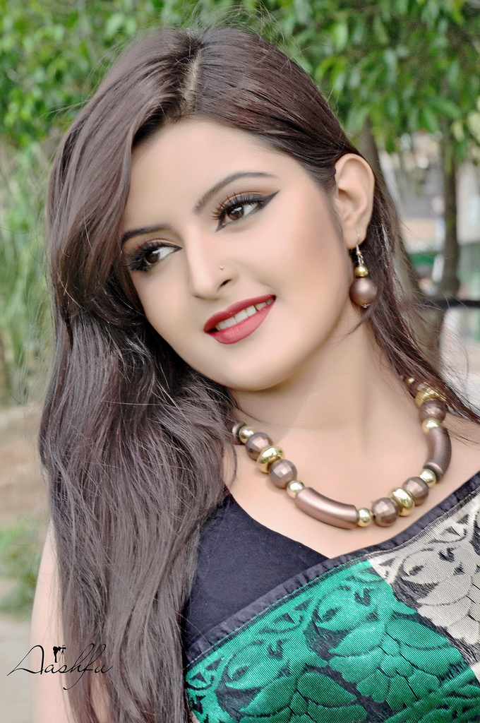 Bangladeshi Actress Pori Moni Hot Latest Hd Pictures -4240