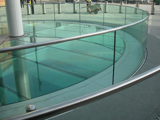 Use Toughened Glass Hampshire to Get Contemporary Look in the UK