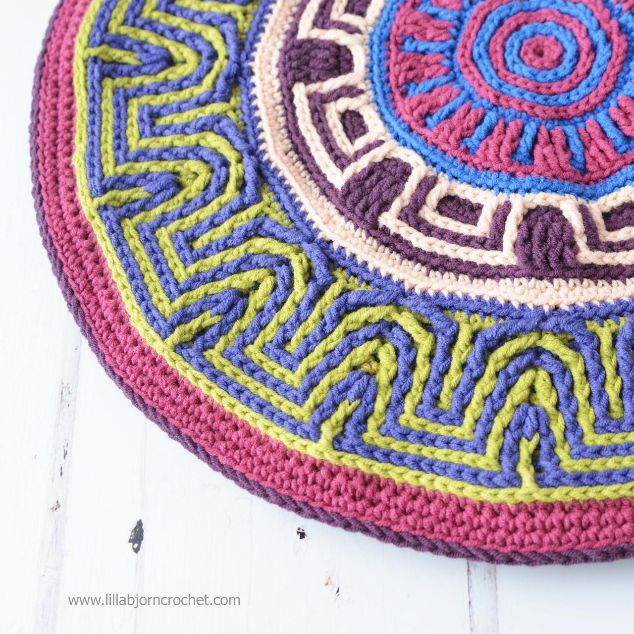 Labyrinth Mandala - original overlay crochet design by Lilla Björn. www.lillabjorncrochet.com