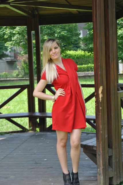 outfit abito rosso come abbinare il rosso abbinamenti rosso how to wear red red outfit red dress  mariafelicia magno fashion blogger colorblock by felym outfit luglio 2016 outfit estivi summer outfits july outfits fashion blogger italiane fashion bloggers italy influencer italiane italian influencer web influencer