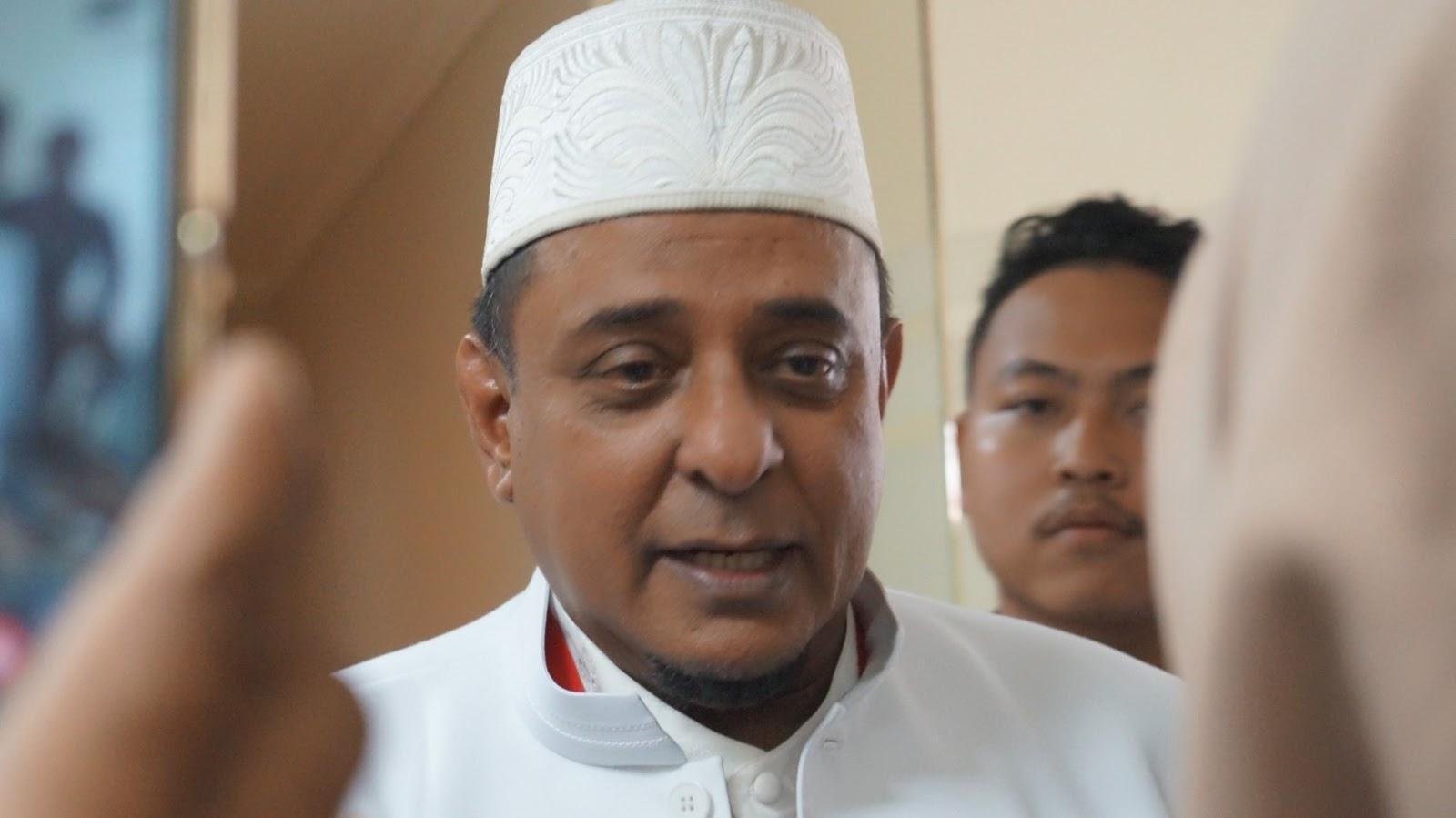 Berbeda Pandangan Politik, Ketua GNPF Ulama Tetap Jenguk KH Ma'ruf Amin