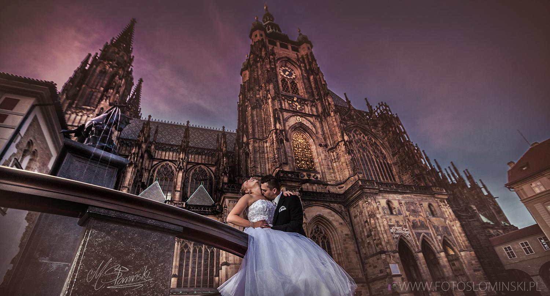 Romantyczne zdjęcia ślubne za granicą - Praga - Praha (Hradčany) fotoslominski.pl