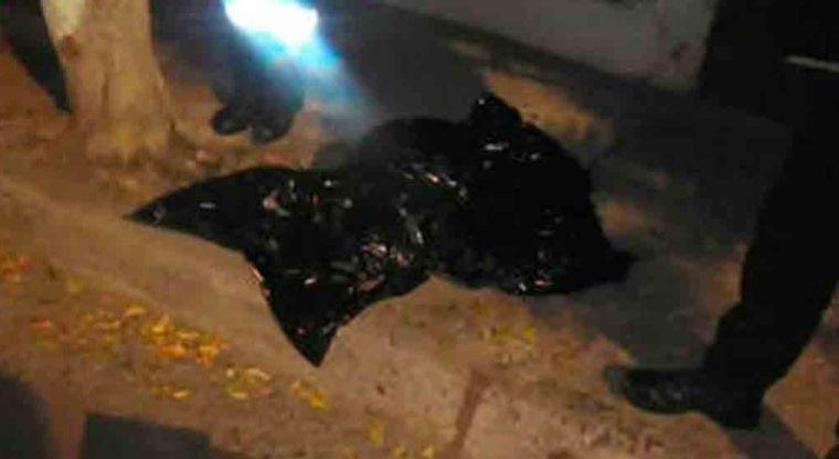Encuentran restos humanos en el interior de bolsa negra