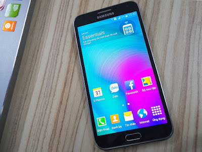 Thay mat kinh Samsung E7 bao nhieu tien tai ha noi