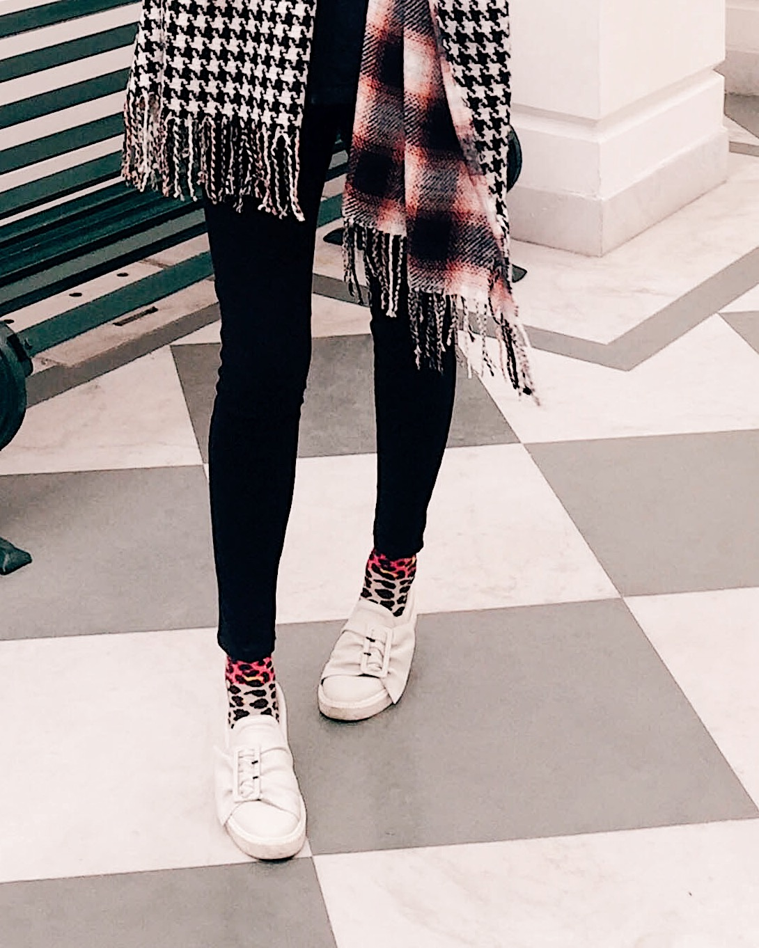 houndstooth scarf, blanket scarf style, how to dress for shopping, what to wear to shopping, casual winter outfit, style blanket scarf, top indian blog, indian fashion blogger, uk blog, winter outfits, weekend winter outfit, casual chic, effortless style, 2017 blogger outfit