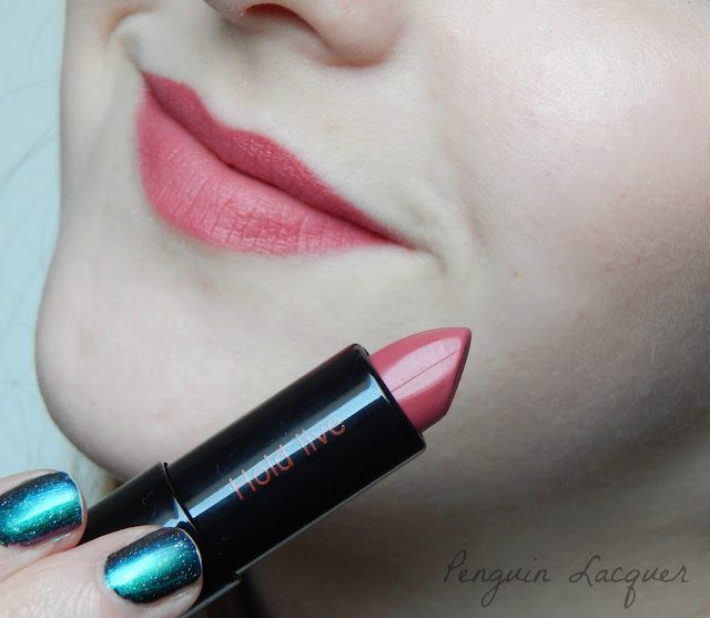 time on my lip pepper potts lipstick 08 tragebild mit lippenstift