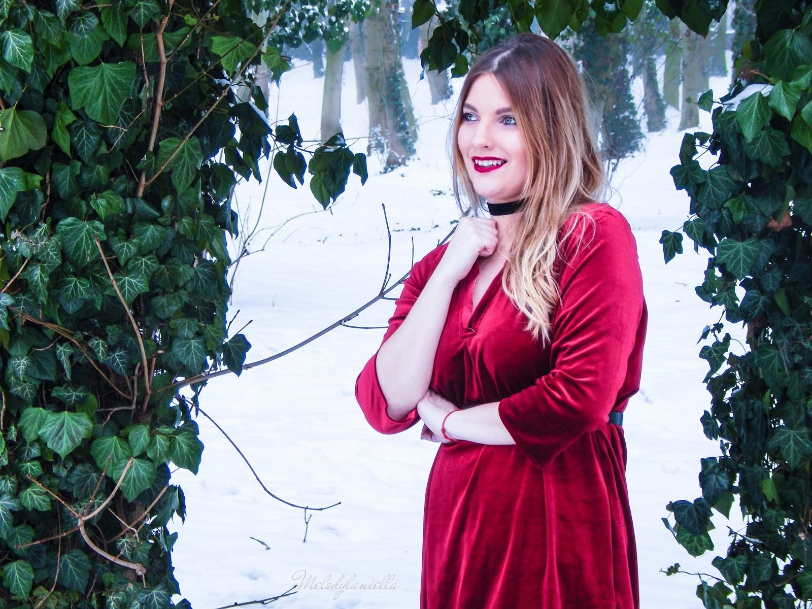 008 torebka manzana czarna czerwona aksamitna  sukienka zaful choker sammydress girl fashion zimowy lookbook stylizacja melodylaniella rajstopy veera pończochy fashion moda szary płaszcz