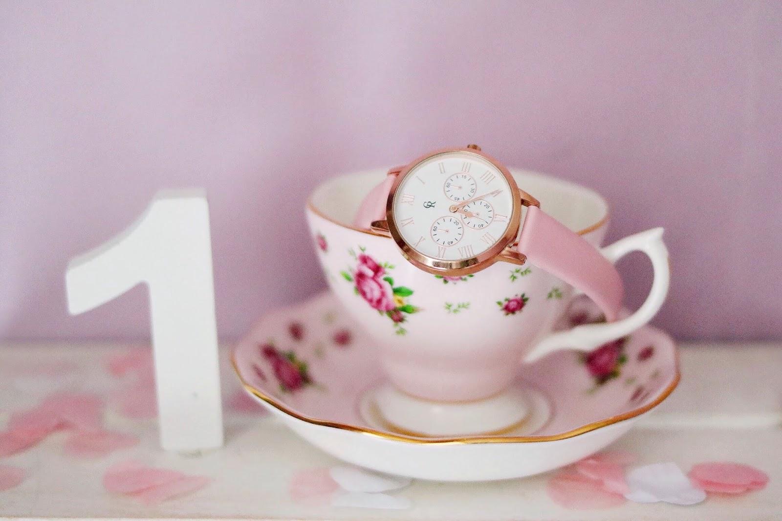 rosemademoiselle-rose-mademoiselle-concours-calendrier-de-l'avent-saint-valentin-montre-charlotte-raffaelli-la-rose-gold-basic
