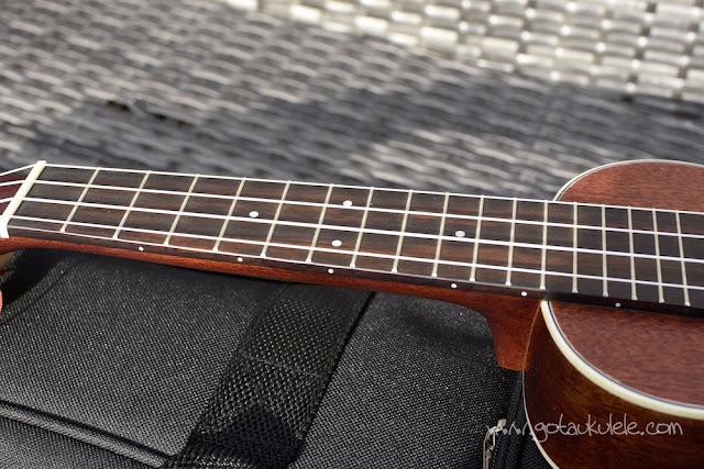 Sigma SUM-2S Soprano Ukulele fingerboard
