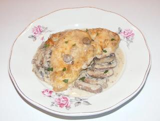 Piept de pui cu sos de ciuperci brune retete culinare,