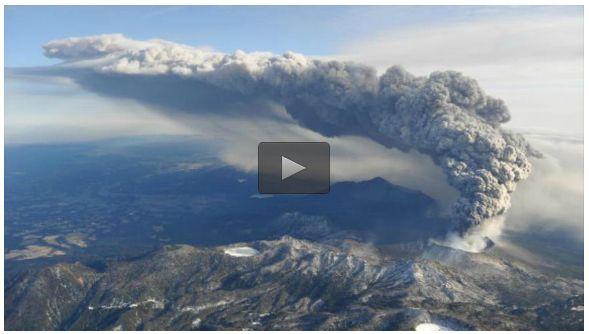 Giappone: il vulcano Shinmoedake torna a eruttare dopo sei anni | Video YouTube