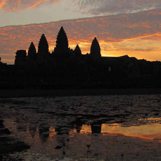 foto pemandangan angkor wat kamboja