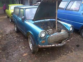 Mobil tua dijual Toyopet Publica '63, bahan, surat lengkap