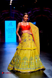 Bollywood Actress Malaika Arora Khan Walks on Ramp at LFW Summer 2017  0032.jpg