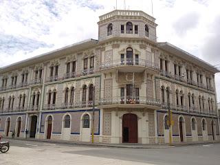 Antiguo Hotel Palace de Iquitos.