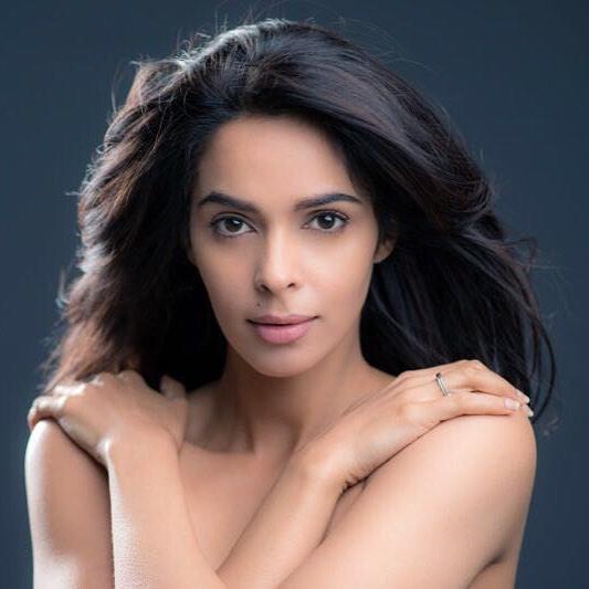 Mallika Sherawat Hot Photos Sexy Images - Actress World-5633