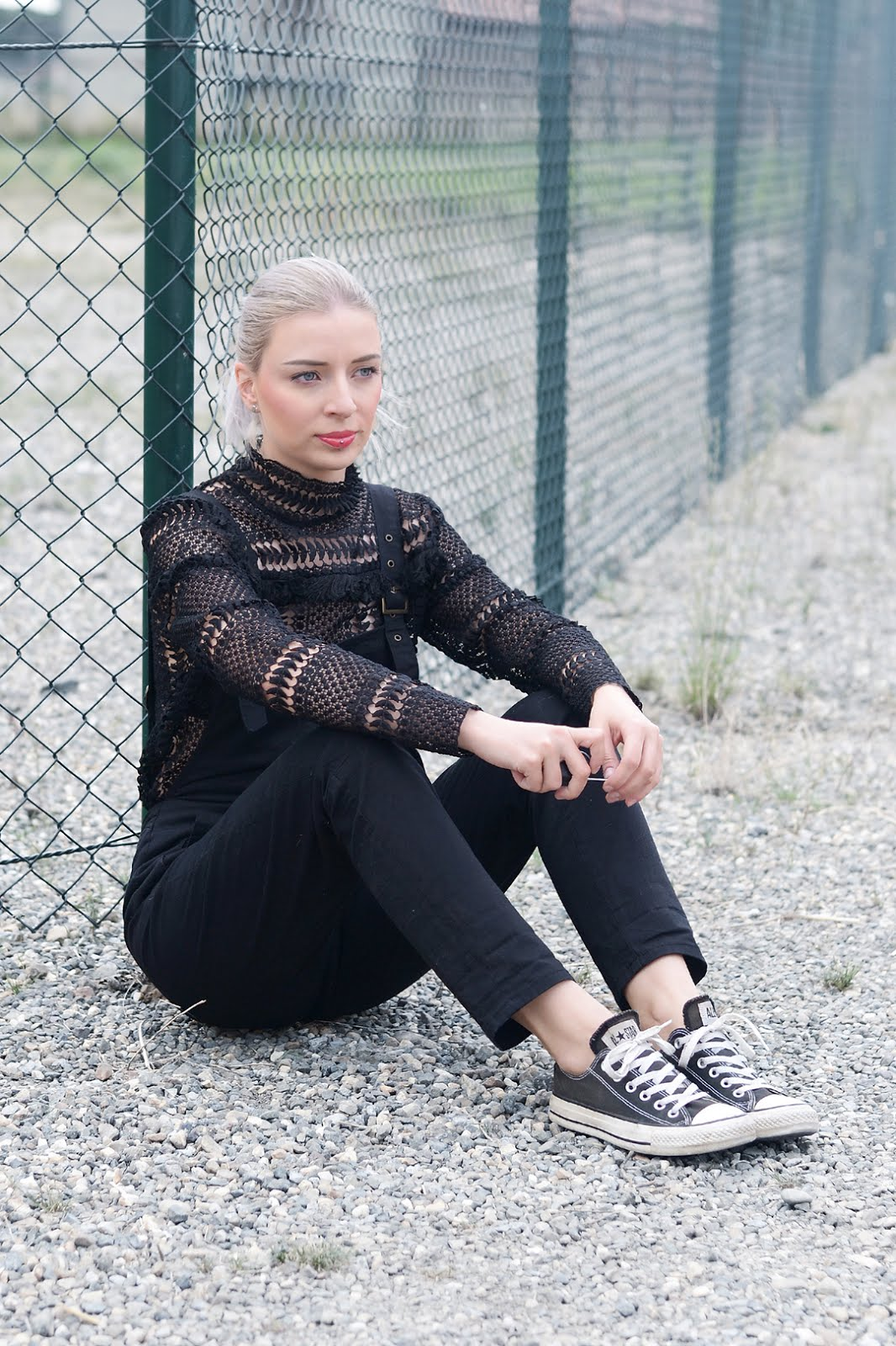 Crochet long sleeve top, moth clothing, asos dungarees, all black, grey hair, mode blogger, belgie, street style