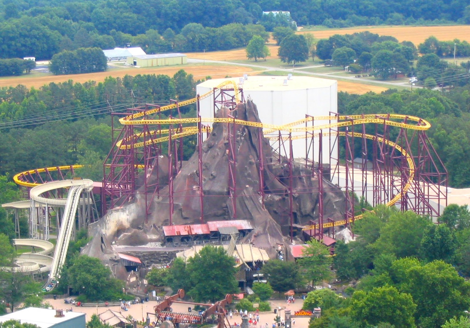 Newsplusnotes Volcano The Blast Coaster To Fade Into Retirement