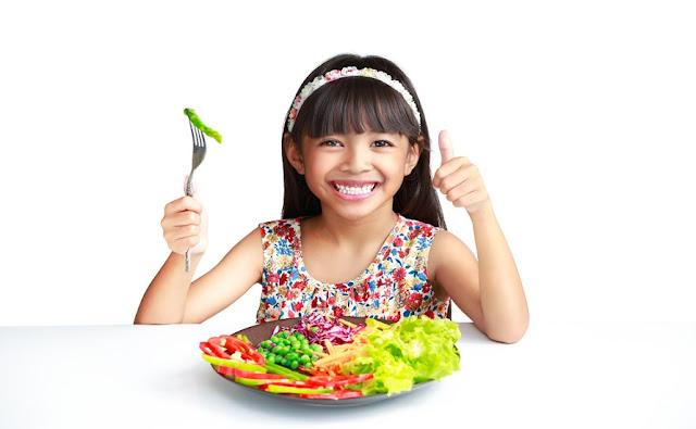 Cara Membentuk Pola Makan Sehat Pada Anak