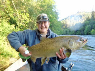 salmon-fishing-rogue-river