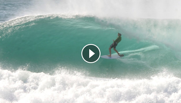 SURFING IN GOLD COAST - RUBEN VITORIA