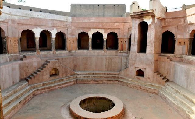 Baoli Ghaus Ali Shah Stepwell