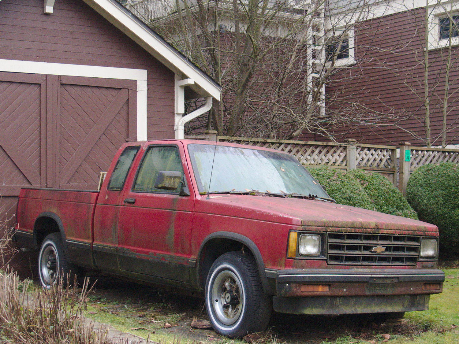 old parked cars vancouver 1984 chevrolet s 10 extended cab. Black Bedroom Furniture Sets. Home Design Ideas