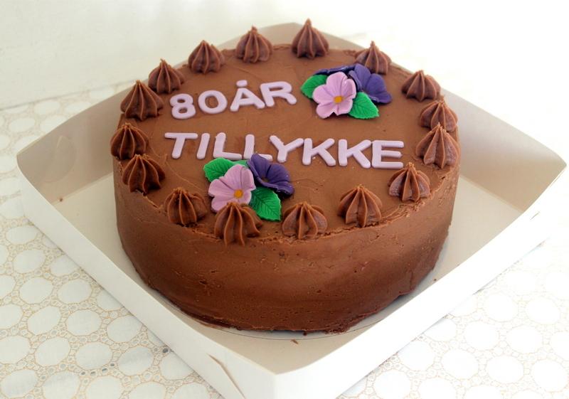 80 års fødselsdagen Agnethe   about a girl: 80 års fødselsdag skal fejres med kage! 80 års fødselsdagen