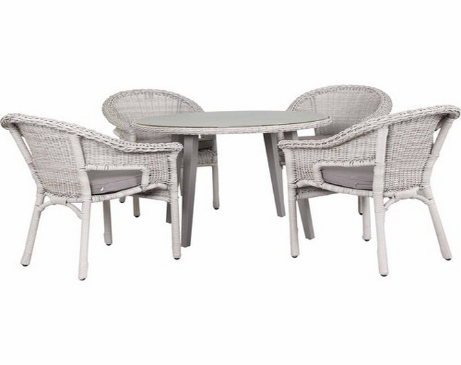 outdoor table and chairs mitre 10