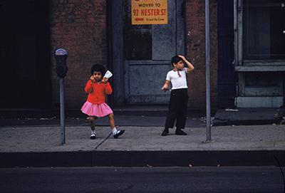 http://oldnewyorklandia.tumblr.com/post/148405925989/ernst-haas-new-york-1952