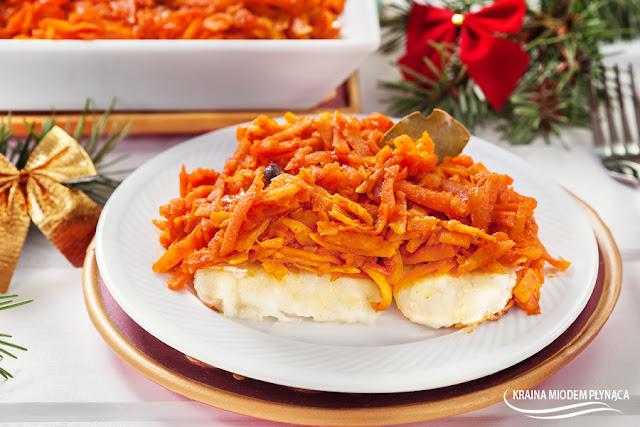ryba po grecku, ryba z warzywami, smażona ryba, ryba w sosie, Wigilia, świąteczna potrawa wigilijna, kraina miodem płynąca