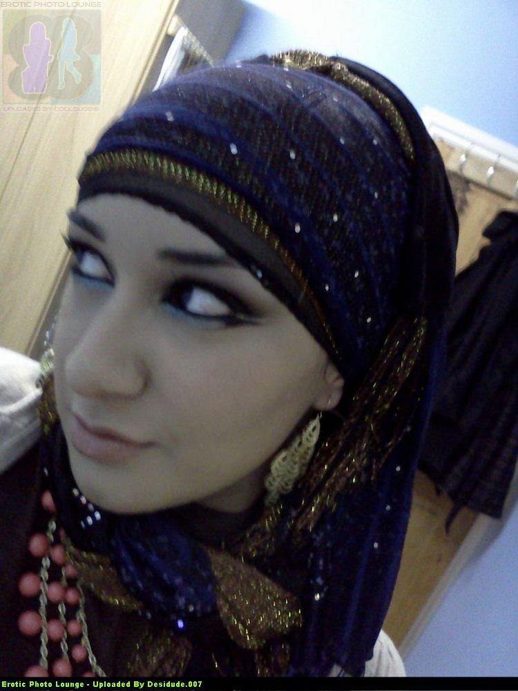 Chubby, But Beautiful Pakistani Girls Huge Boobs Flashing -7603