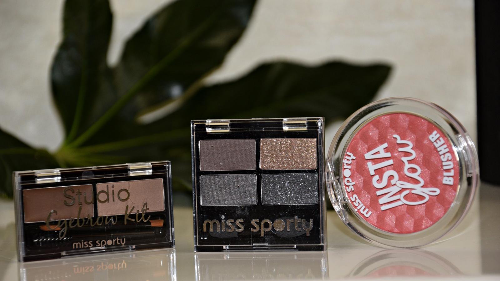 kit de sprancene, farduri de ochi pentru smokey eye si blush roz
