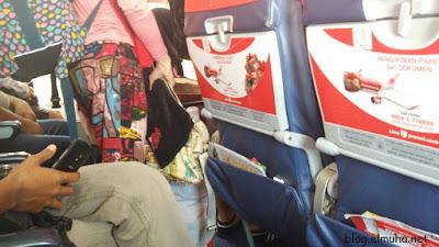 Di dalam pesawat