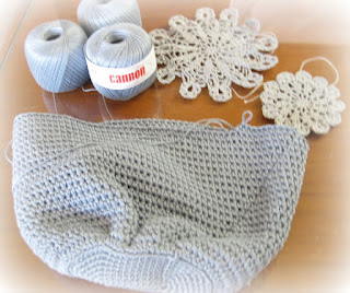 pierrot crochet bag
