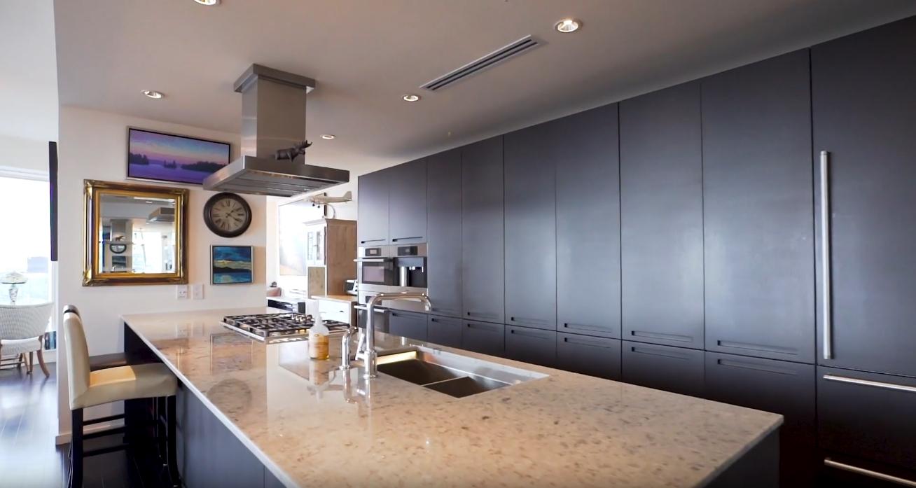 11 Photos vs. Shangri-La Toronto, Suite 4706, 180 University Ave vs. Condo Interior Design Tour