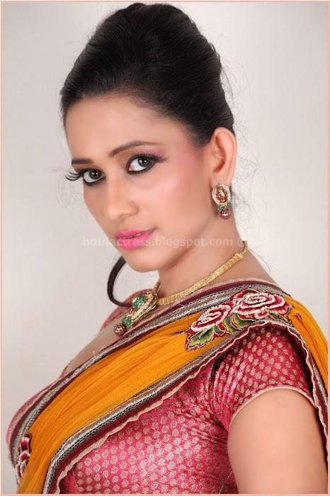 Sanjana singh latest hot in saree