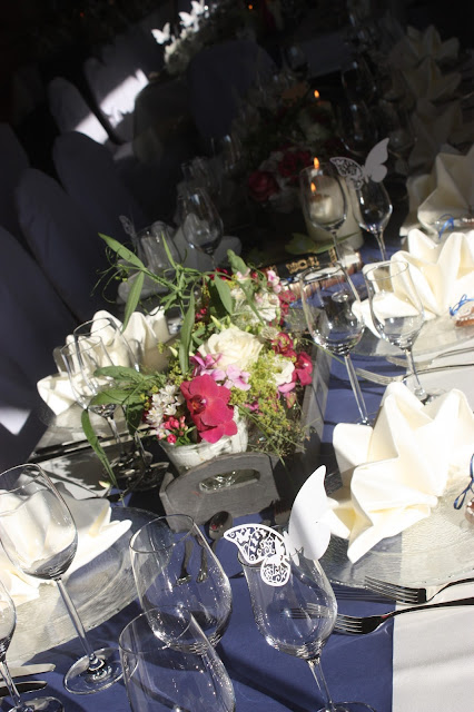 Deutsch-indische Hochzeit im Riessersee Hotel Garmisch-Partenkirchen, Bayern, Navy Blue, Weiß, Fuchsia, Vintage, Schmetterlinge, Ballons - #deutsch-indische Hochzeit #Riessersee Hotel #heiraten in Bayern #Hochzeit in Garmisch